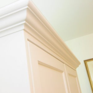 Kids Wardrobe - Cornice close up